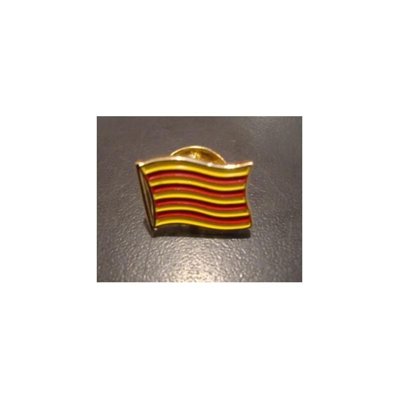 Pin's senyera onejant