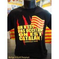 """Tee-shirt adulte noir """"On n'est pas occitan on est catalan"""" des Al Chemist"""