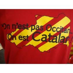 """Tee-shirt adulte bleu """"On n'est pas occitan on est catalan"""" des Al Chemist"""